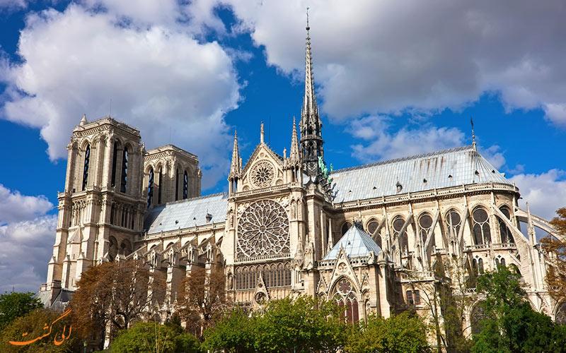 نگاهی به تاریخچه و سرگذشت ی غم انگیز کلیسای نوتردام در پاریس