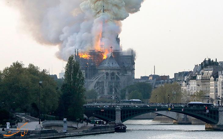 آتش سوزی پاریس