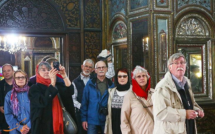گردشگران خارجی در کاخ گلستان