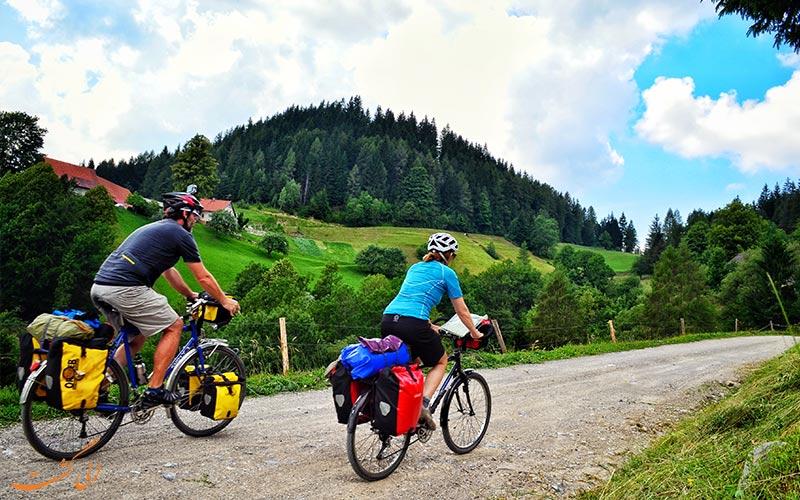 تماشای جاذبه های گردشگری با دوچرخه-نکات مفید در کمپینگ