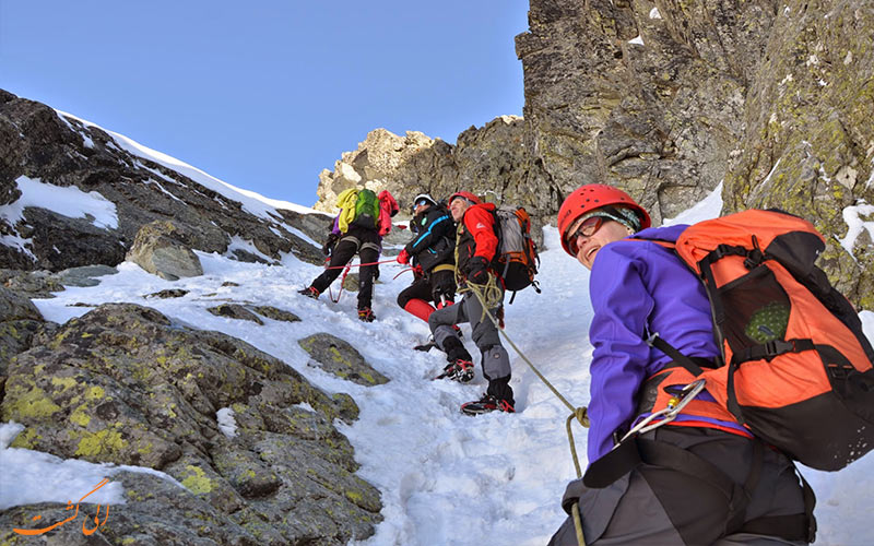 لایه سوم لباس از وسایل مورد نیاز کوهنوردی