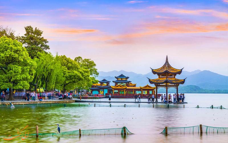 مناظر بی نظیر دریاچه غربی چین