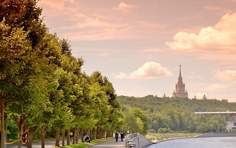 نمایی از پارک گورکی در تپه های گنجشک مسکو