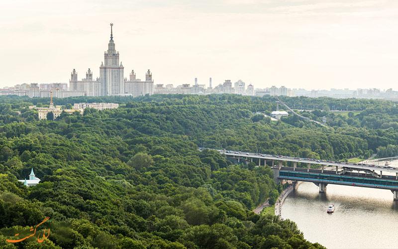 نمای رودخانه و تپه های گنجشک مسکو