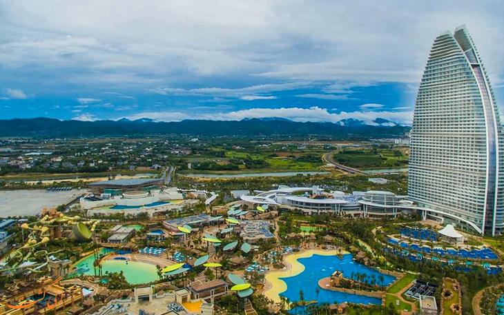 جاذبه های جزیره هاینان چین با آب و هوایی استوایی