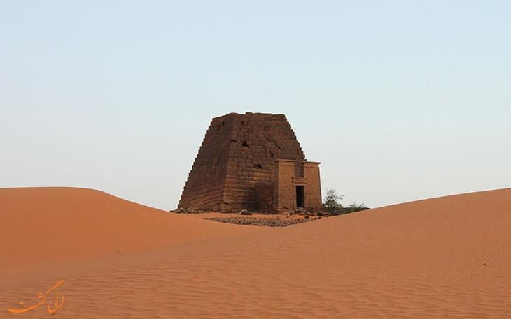 تاثیر مصر و پادشاه ارگامنز