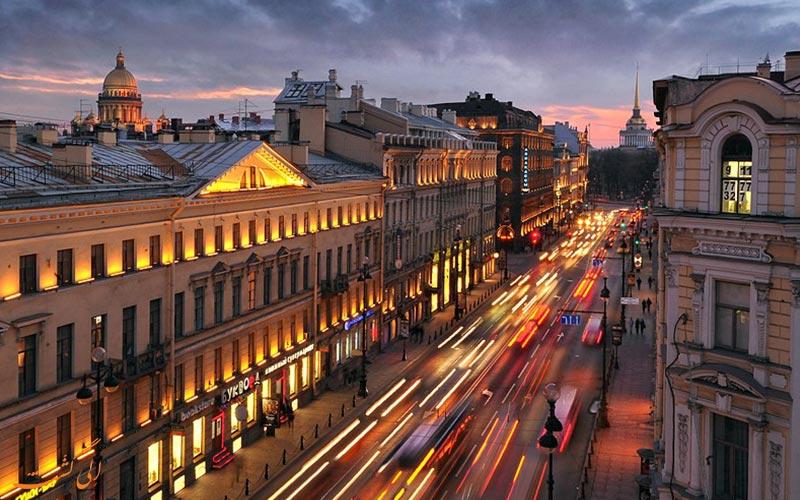 خیابان نوسکی پراسپکت در سنت پترزبورگ ، خیابان معروف روسی