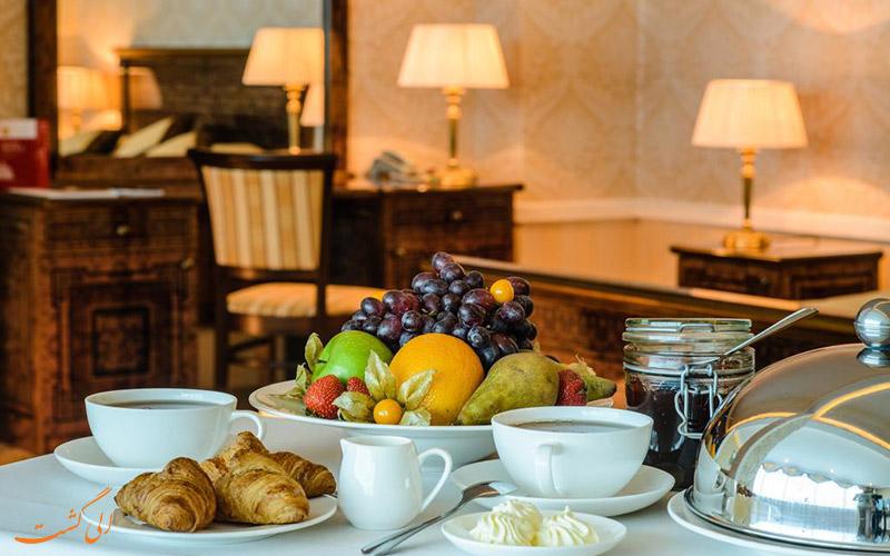 ● رستوران هتل