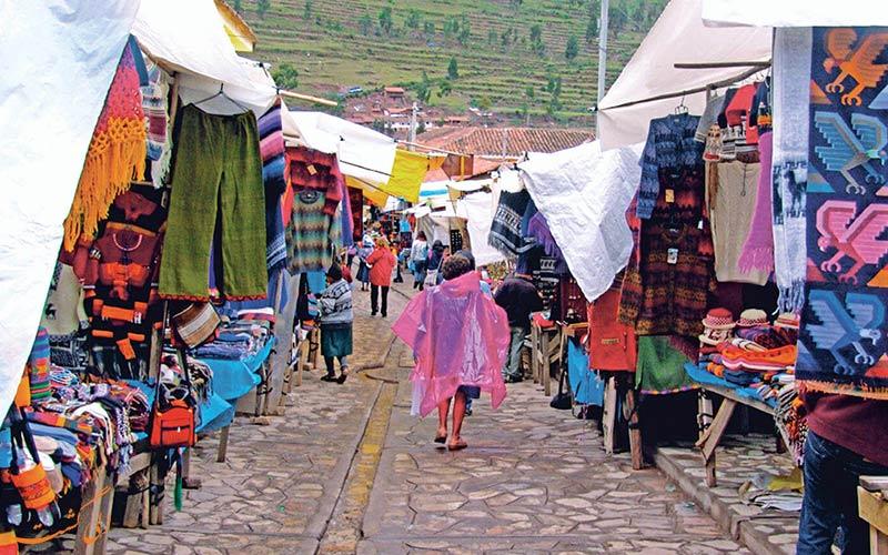 بازارهای-مردم-محلی-آمازون-در-پرو