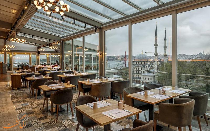 رستوران و نمای شیشه ای آن در هتل پورت بسفروس استانبول