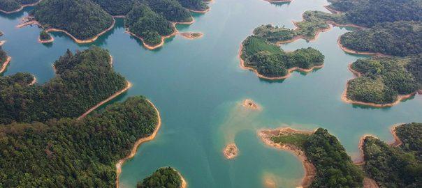 در زیر آب های این دریاچه، چندین شهر باستانی مدفون شده است!