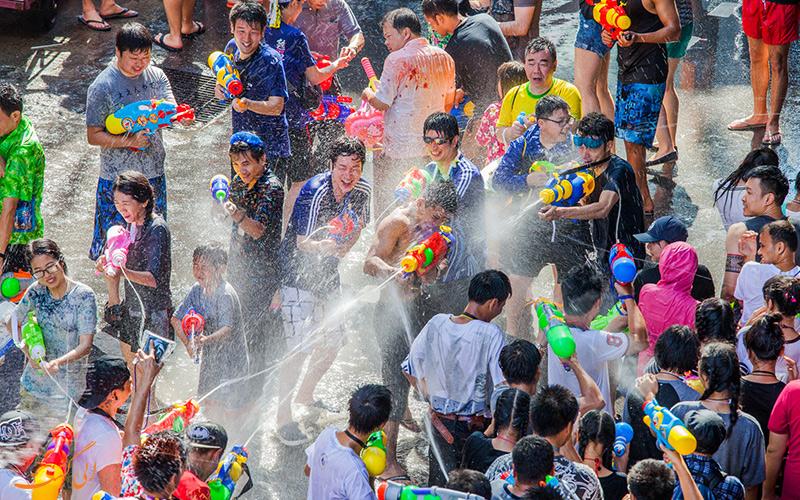 جشن آب در تایلند