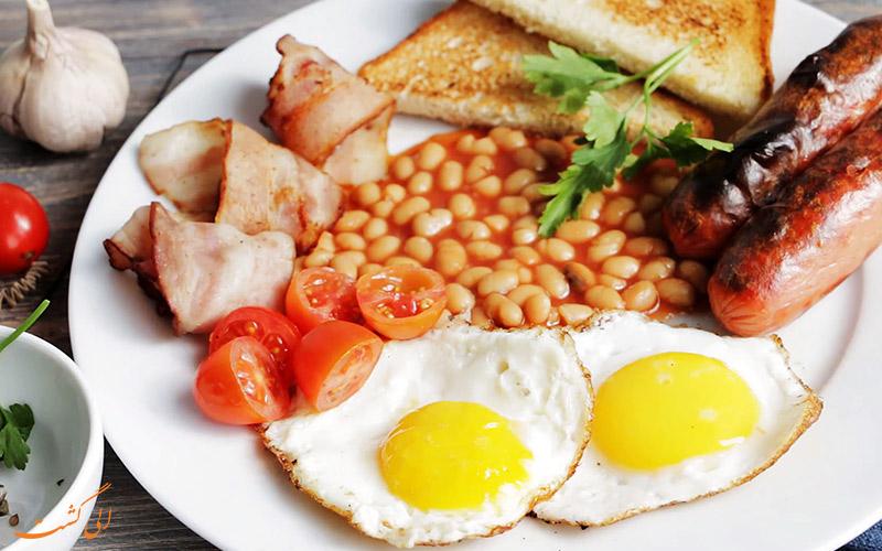 بشقاب کامل صبحانه ی انگلیسی