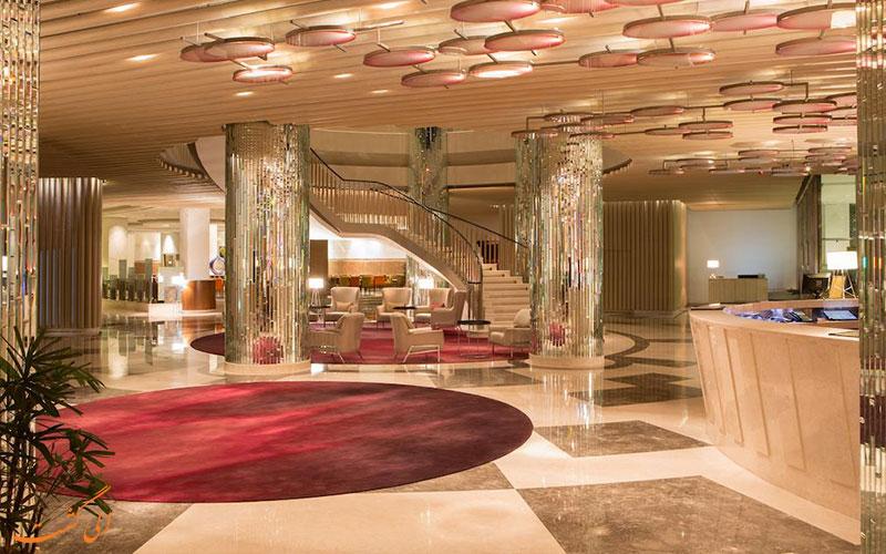 فضای لابی و میز پذیرش هتل ولکام دوارکا دهلی نو
