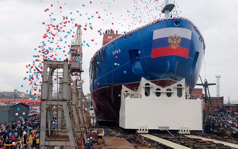 قایق از وسایل حمل و نقل روسیه