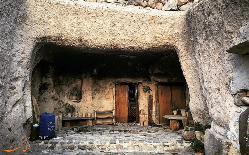 اقامتگاه بوم گردی صخره ای میمند