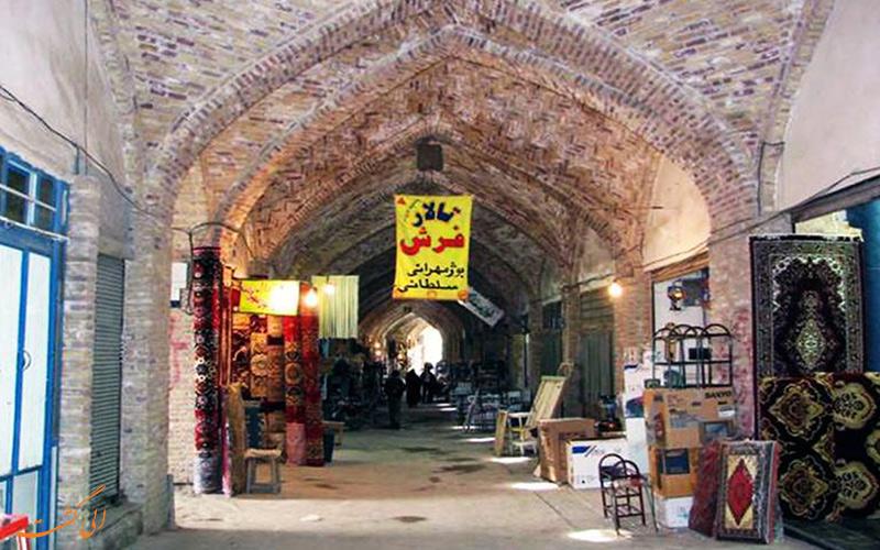 یکی از معروف ترین بازارهای شهر نیشابور بازار سرپوش هست که متعلق به دوره صفوی است.