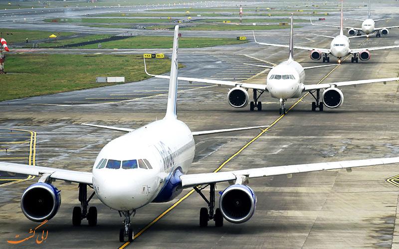 صف هواپیماها در فرودگاه