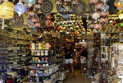 بازارهای محلی آنتالیا محلی برای خریدهای ارزان