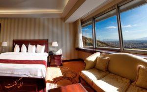 در تمامی اتاق های هتل بزرگ ۵ ستاره شیراز از امکانات بالایی برخوردار هستند.