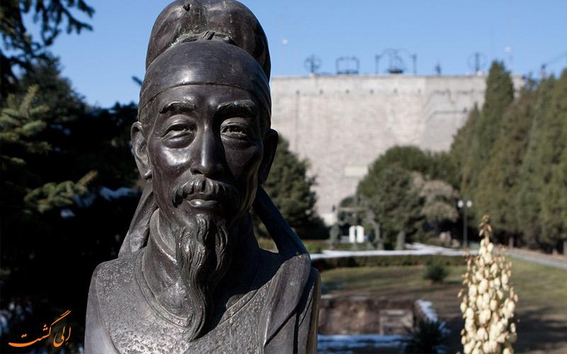 سردیس نوابغ نجوم چینی به نام ژو گوآنگکی