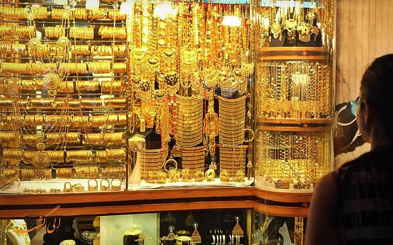 بازار طلای دیره به عنوان بزرگترین بازار طلای جهان شناخته می شود و همین دلیل دبی به شهر طلا معروف است.