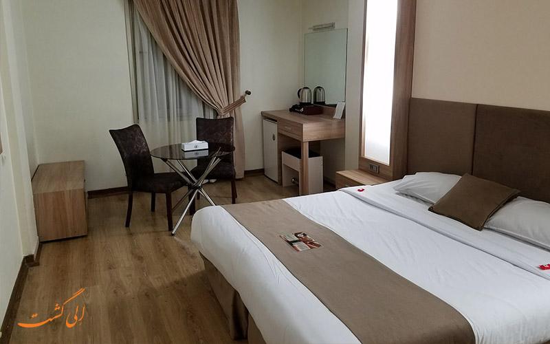 قیمت اتاق تخت دونفره هتل سفیر اصفهان