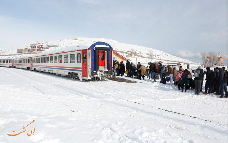 توقف قطار تبریز وان برای کنترل مرزی