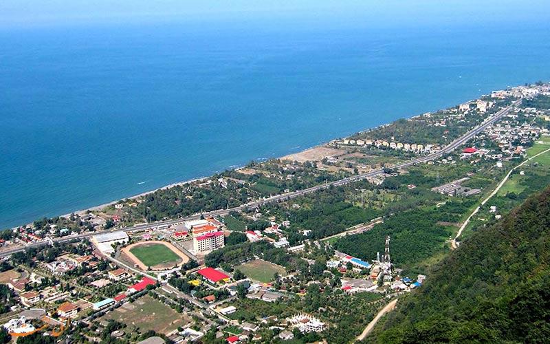 نمایی کلی از بلوار معلم رامسر و ساحل توسکا