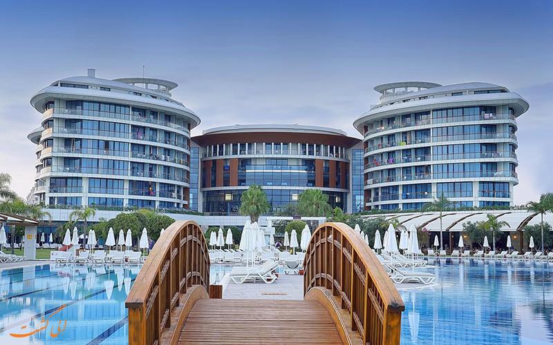 هتل ۵ ستاره uall بایا لارا