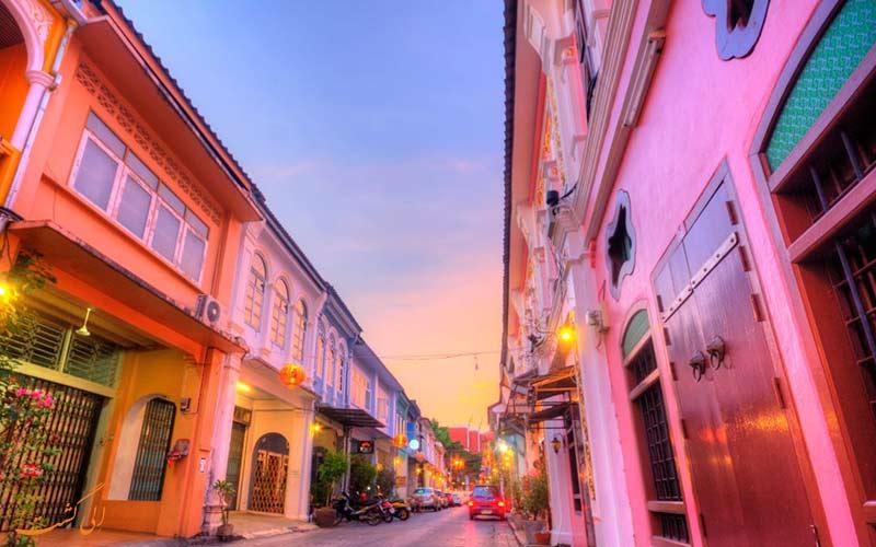 خیابان رنگارنگ فانگ نگا در شهر قدیمی پوکت