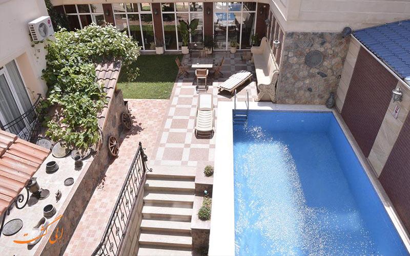 استخر بهترین هتل سه ستاره باکو