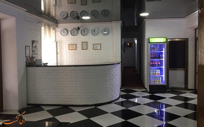 عکسی از قسمت رزرویشن هتل اورزو