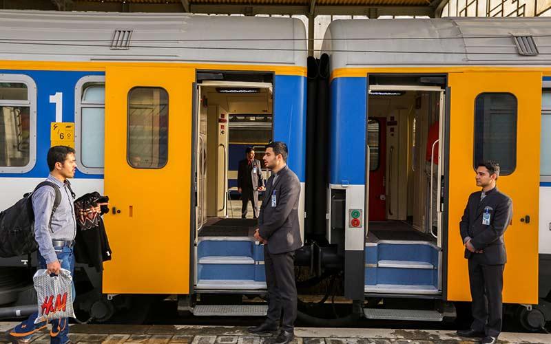 سفر با قطار 3 ستاره شهاب شرکت ریلی رجا