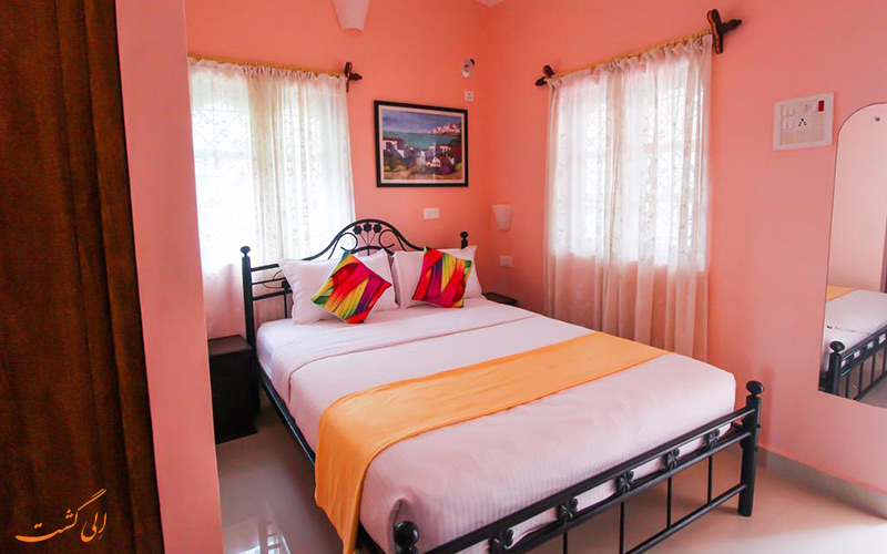 فضای روستایی و دکور داخلی با رنگ های گرم اقامتگاه ساحلی هیلیاز (Hilia's Resort)