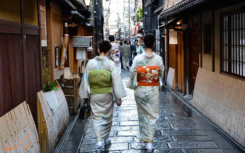 زنان در لباس های سنتی ژاپن