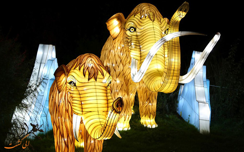طرح ماموت های طلایی رنگ در نمایش جشن نور لیون