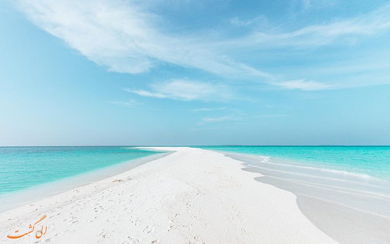 تصویری از شن های سفید و آب های زلال لاجوردی جزایر مالدیو
