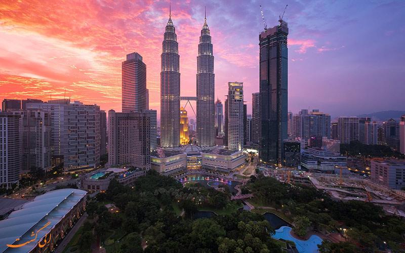 نمایی از پایتخت مالزی در هنگام غروب