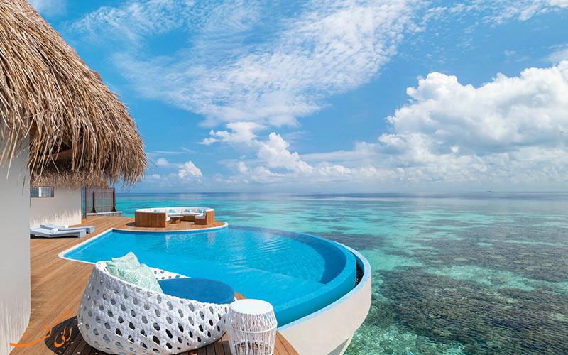 تصویری از یک هتل ساحلی در مالدیو
