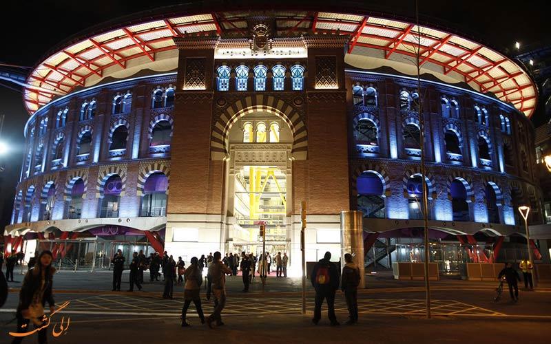 لاس آرناس، یک مرکز خرید جذاب