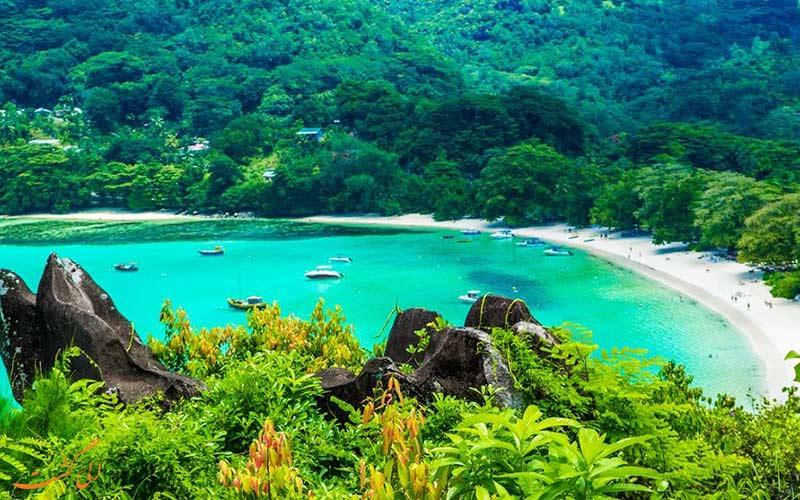 نمایی از سواحل زیبای منطقهی سیشل