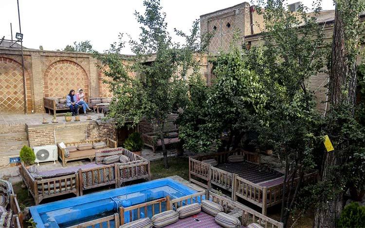 هتل و اقامتگاه بومگردی در قزوین