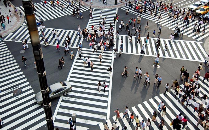 شلوغی شهرها به دلیل حضور توریست ها پدیده ای نه چنان دلچسب است.
