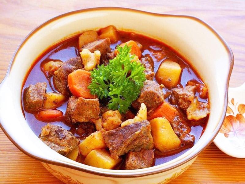 سوپ-خارچو-در-کشور-گرجستان