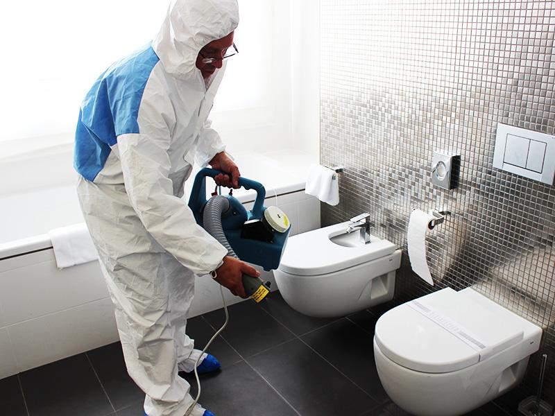 ضد-عفونی-کردن-حمام-و-سرویس-بهداشتی-هتل-و-محل-اقامت