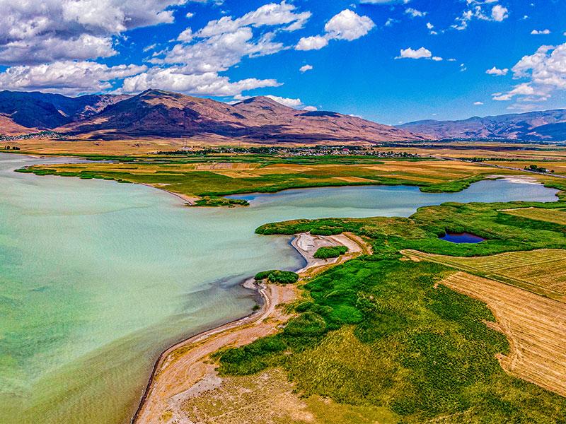 معرفی جاذبه های دیدنی اطراف دریاچه وان، بزرگ ترین دریاچه ترکیه