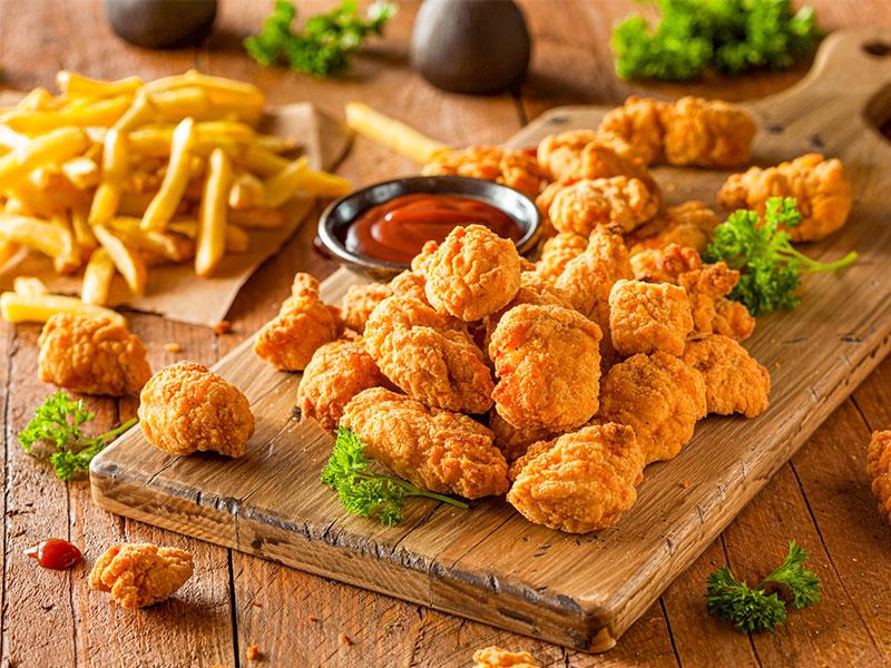 معرفی ۱۳ غذای خوشمزه از سراسر جهان که با مرغ درست می شوند