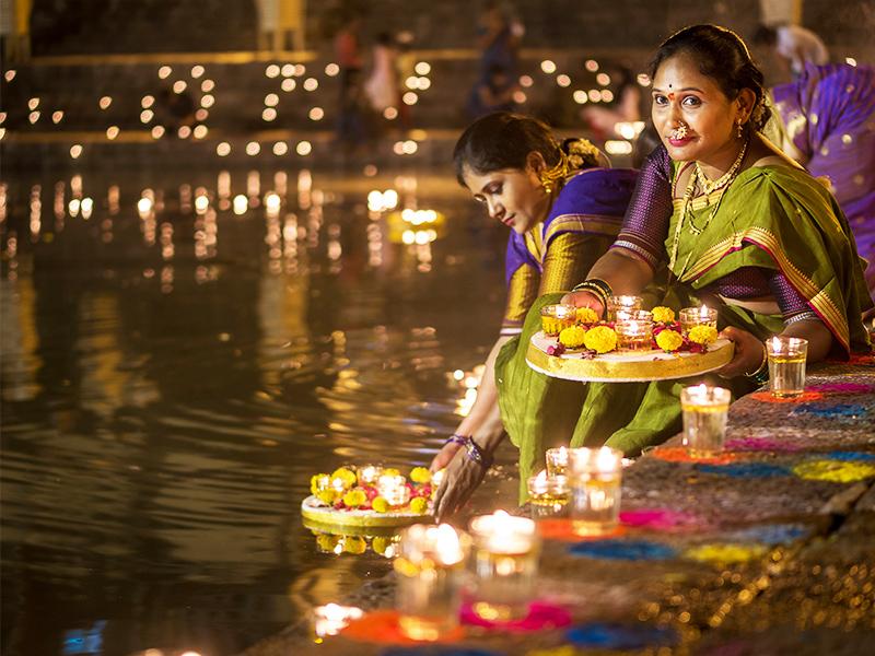 ادیان بمبئی