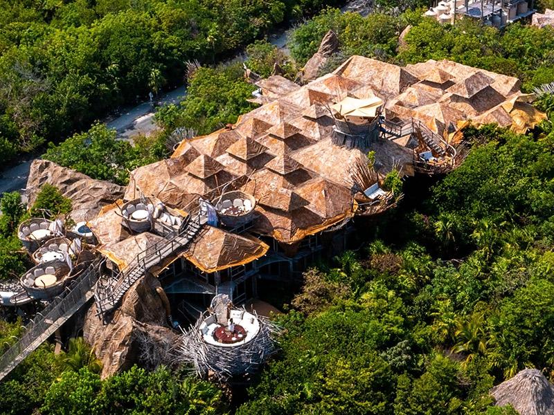 هتل آزولیک در تولوم مکزیک